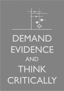 Demand evidence and think critically - grå - dokument